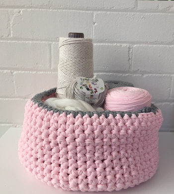 Crochet T-Shirt Basket