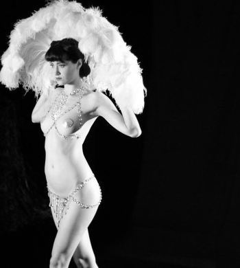 Be a Burlesque Babe