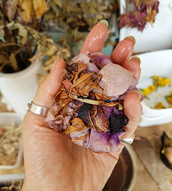 Floralchemy: An introduction to natural dyeing